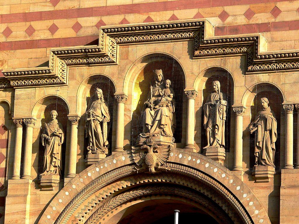 статуи пророков