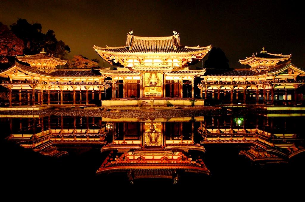 храм феникса ночью