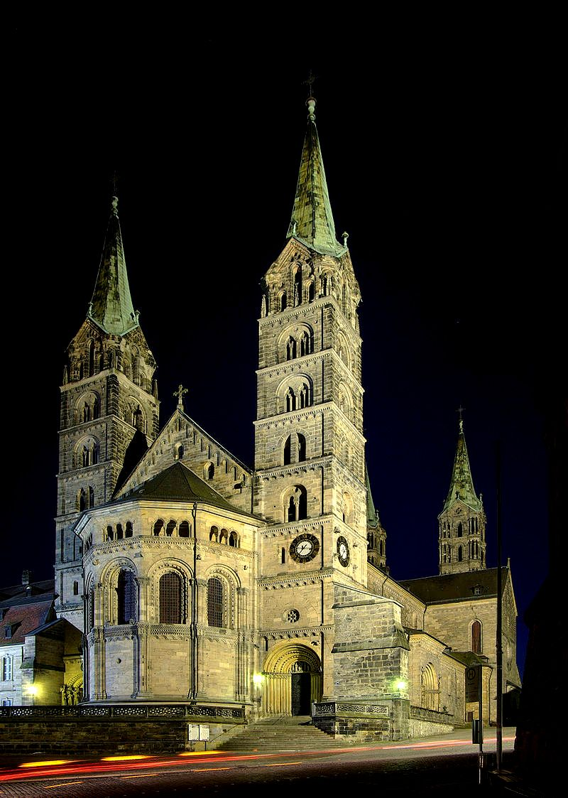 бамбергский собор ночью
