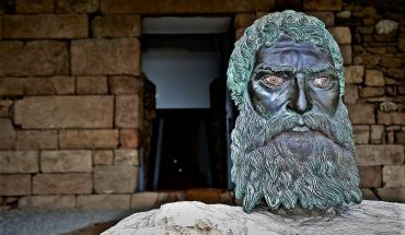 thracian tombs