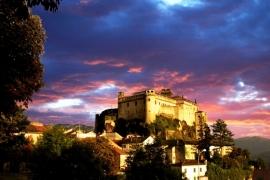 вечерний замок Барди