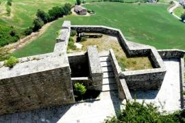 укрепления замка Барди