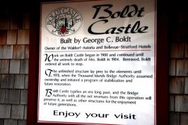 табличка замка Болдт