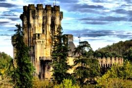 окрестности замка Бутрон