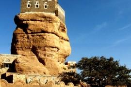 замок на скале Хаджар