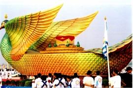статуи Дхаммакая
