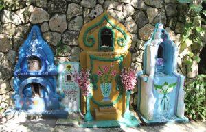 памятники в виде домиков