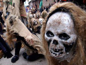 скелет в капющоне, Вевчани