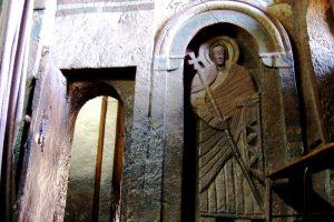 барельеф святого в лалибеле