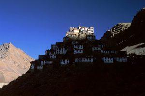 крепость монастырь ки гомпа