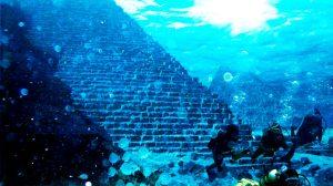 аквалангисты у пирамид йонагуни