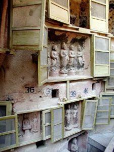 будды в окошках
