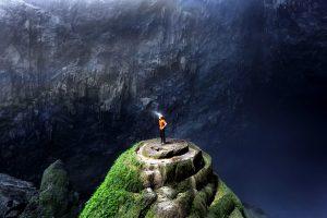 спелеолог в пещере Шондонг