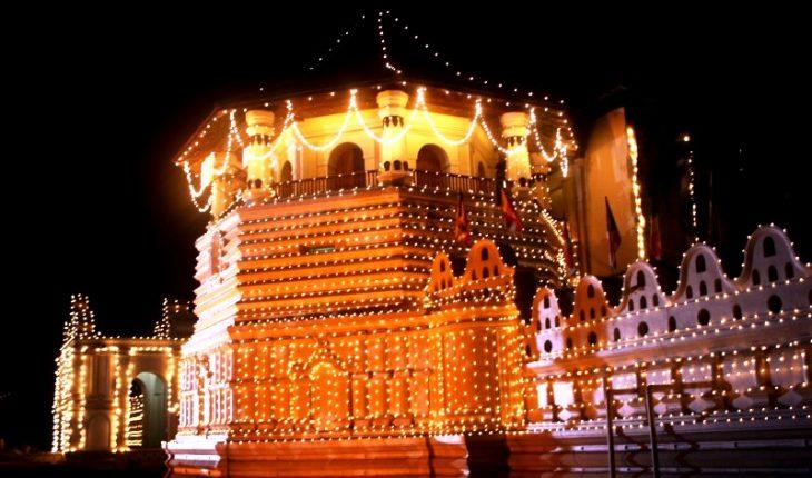 храм в канди