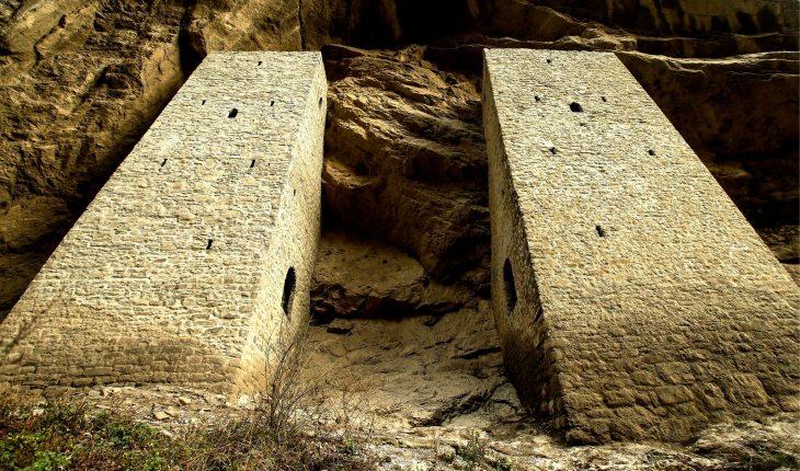 ушкалойские башни близнецы